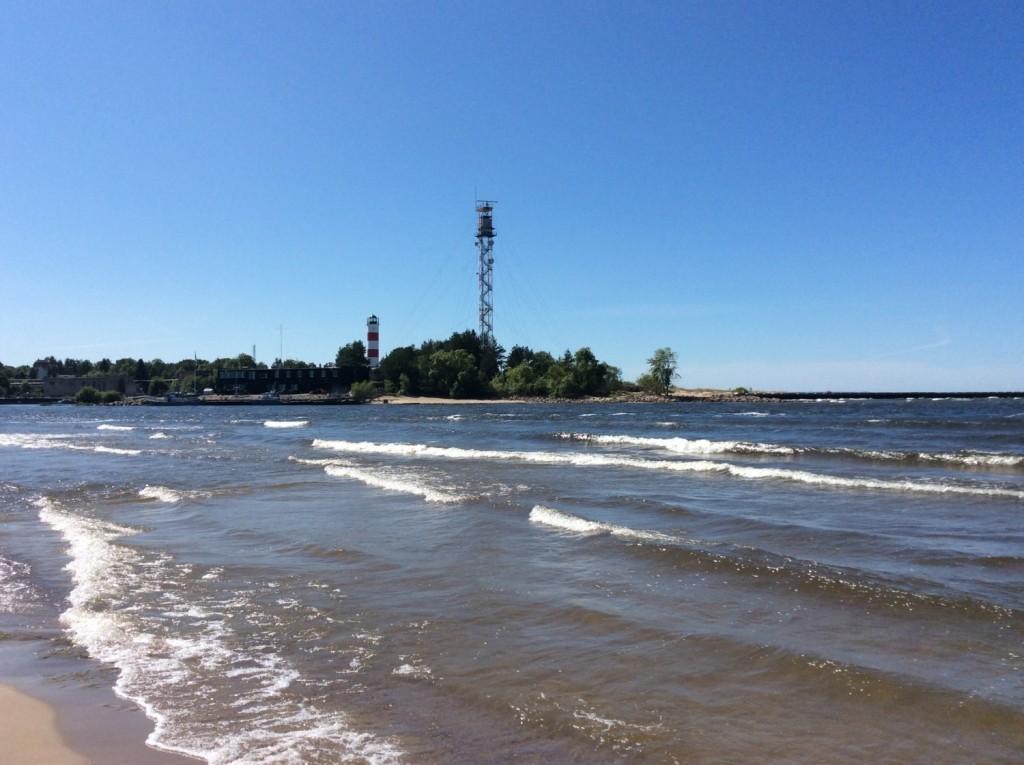 Устье Нарвы. Эстонская пограничная вышка и Нарвский маяк