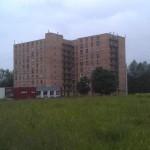 Парусинка. Девятиэтажка у въезда в микрорайон