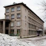 Парусинка. Здание школы