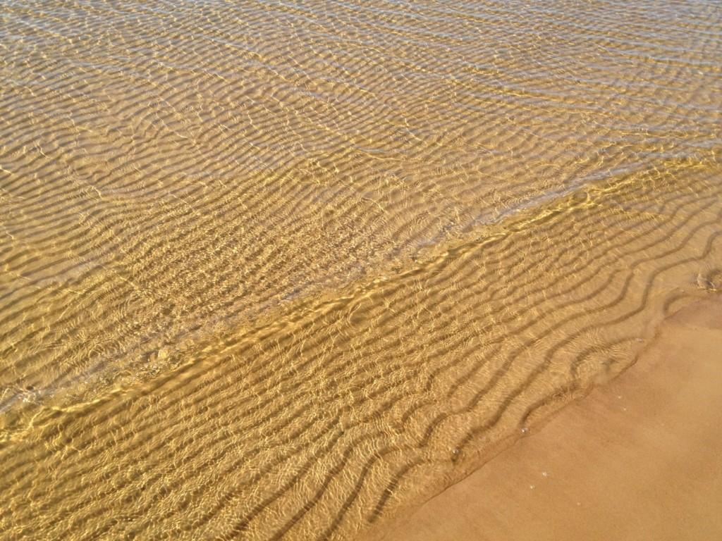 Вода залива на Липовском пляже отличается чистотой