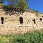 Полуразрушенные тайник и капонир у Новой (Водяной) башни