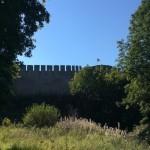 Фрагмент крепостной стены между Воротной и Пороховой башнями