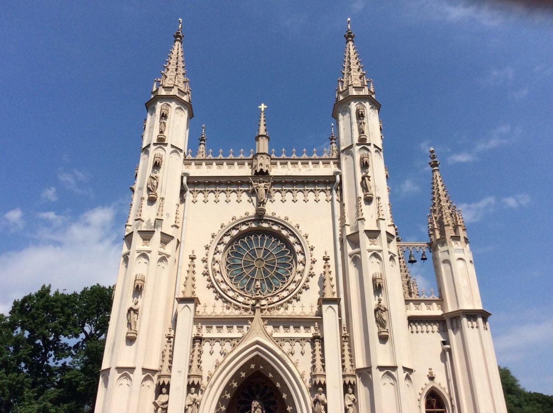 «Готическая Капелла»: домовая церковь царской четы
