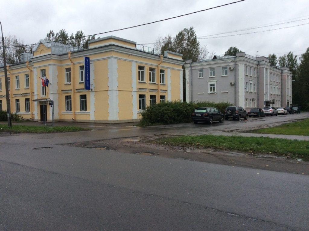 Вторая Комсомольская улица. Малоэтажные дома.