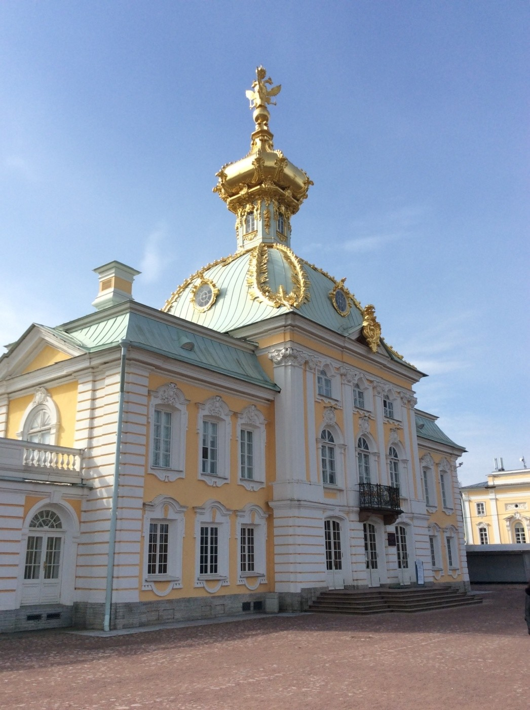 Большой Петергофский дворец. Корпус под Гербом
