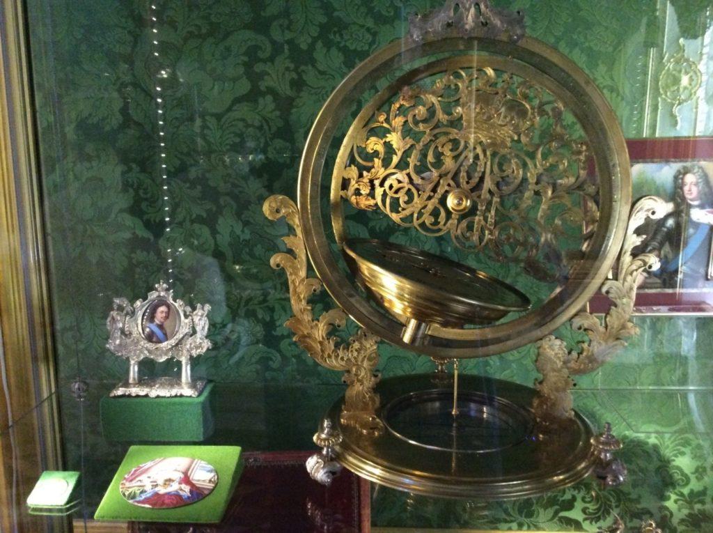 Музей «Особая кладовая». Гербовый корпус. Большой Петергофский дворец
