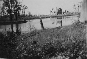 Английский дворец в годы войны. Петергоф.